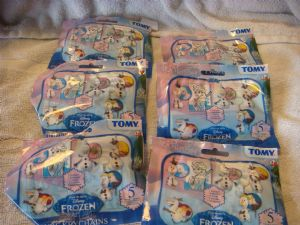 Frozen  6 single blind bags Olaf figure keychains.